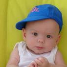 Neyo Bullens Neyo is geboren op 30 mei 2011 in Breda. Hij is erg bewegelijk, nieuwsgierig, geintereseerd en meelevend.