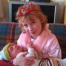 Met zijn tante de prinses! Tante die denkt dat ze zus is!